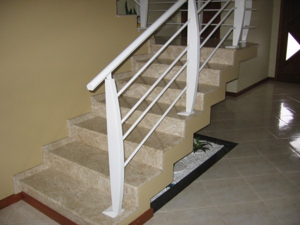 O m m rmores e granitos for Tipos de granito para pisos